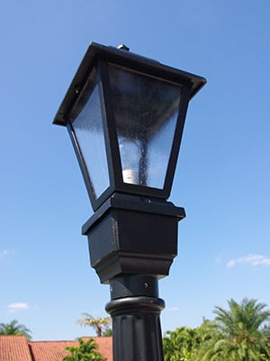 1-luminaire-on-light-pole