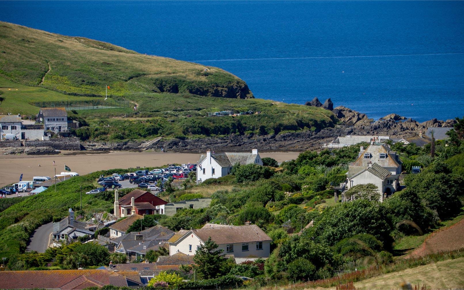 Coastal Landscape Installation Challenges