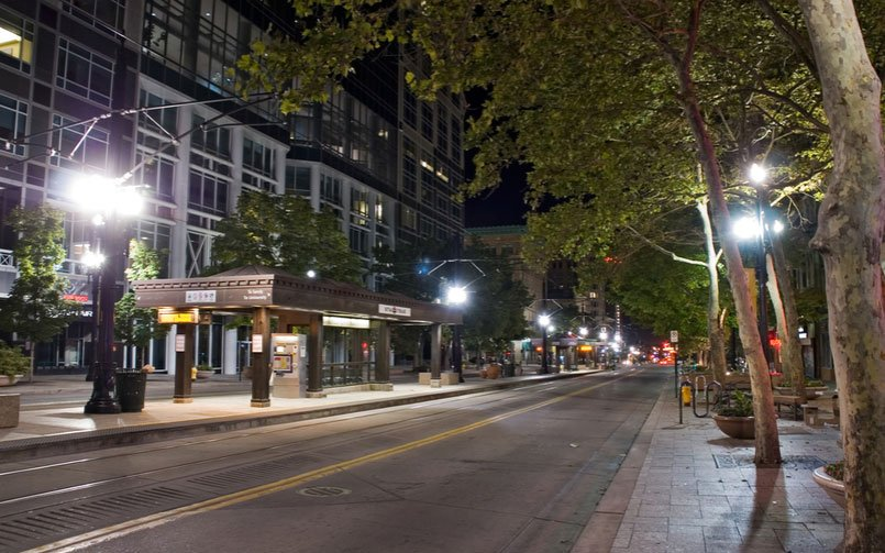 6 Things You Should Know About Street Light Poles