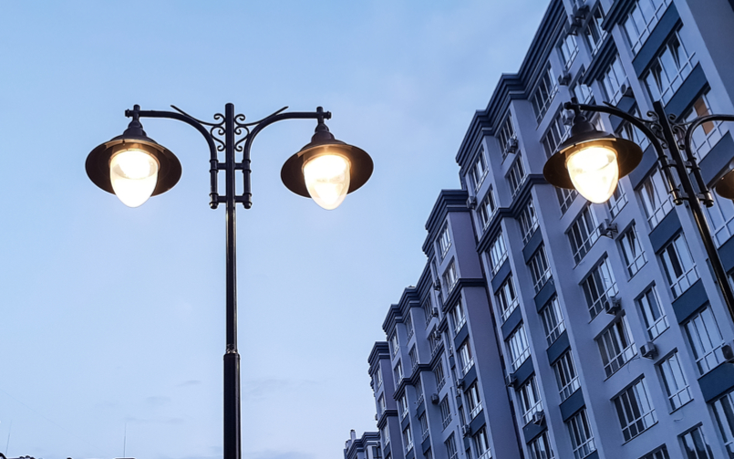 An Alternative to Union Metal Light Poles: Resin-Based Lampposts