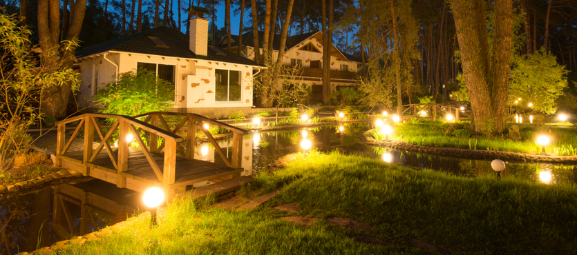 Outdoor Landscape Lighting: 7 Tips That Every Business Should Know